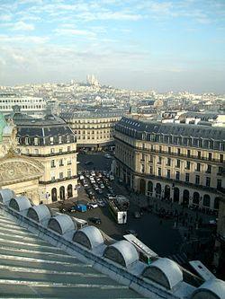 la photo est de Laurent (voir lien au dessus de la photo), j'avais trop le vertige pour sortir mon appareil ;)