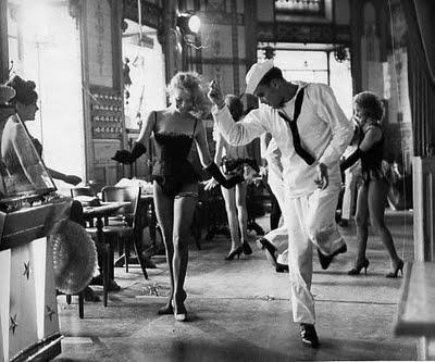 Dorothée Blanck et Alan Scott dans Lola de Jacques Demy, photo de Raymond Cauchetier