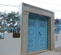 porte de la résidence de l'ambassade de Finlande, à Sidi Bou Saïd, Tunisie