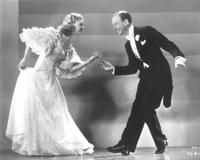via google images (fox trot), vous avez bien sûr reconnu Fred Astaire et Ginger Rogers